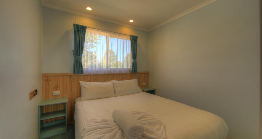 Elevated Twin Bedroom Batemans Bay Easts