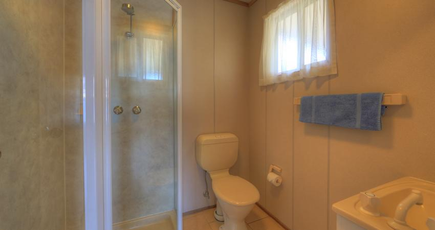 Ensuite Cabins Bathroom BIG4 Batemans Bay Easts