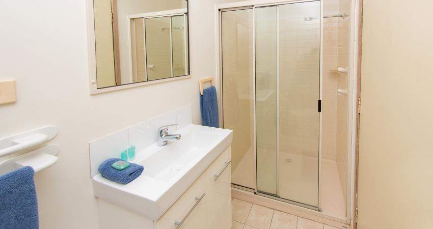 Batemans Bay Easts Cabin Ensuite3 1430